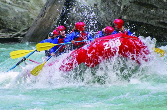 Whitewater Rafting on Jasper's Fraser ...