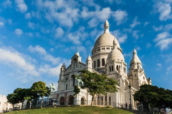 Family Treasure Hunt in Montmartre