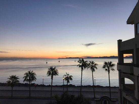 La Mision Loreto: Sunrise.....boats headed out.