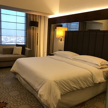 Sheraton Dubai Mall of the Emirates Hotel: photo1.jpg