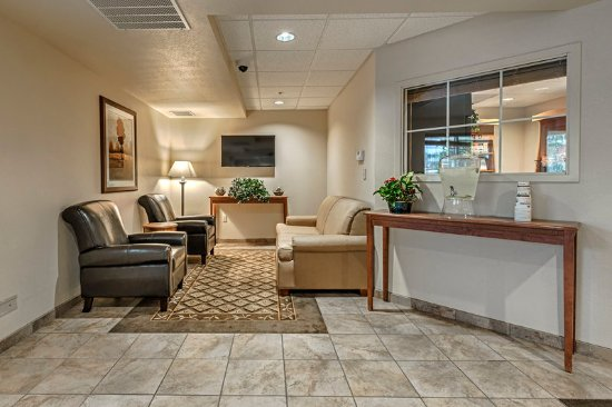 Candlewood Suites Oak Harbor: Lobby