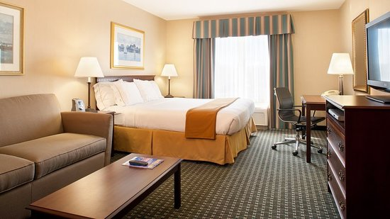 Holiday Inn Express Middletown / Newport: Suite