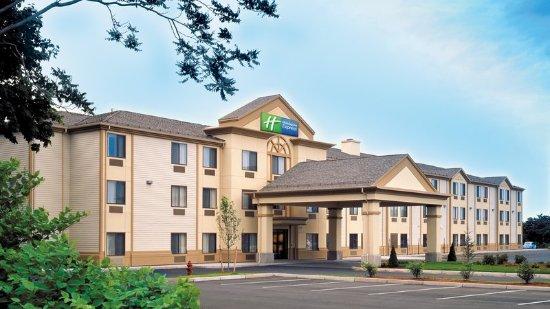Holiday Inn Express Middletown / Newport: Exterior