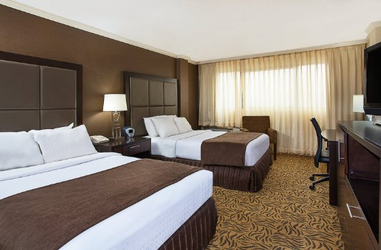 Crowne Plaza Knoxville: Guest room