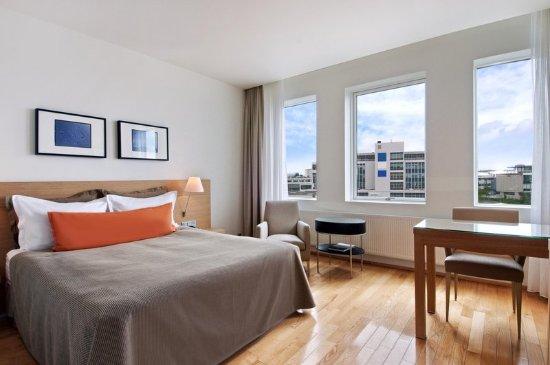 Hilton Reykjavik Nordica: Guest room