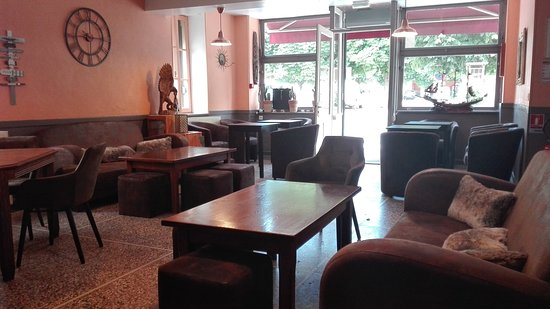 Verdun-sur-le-Doubs, France : salle de bar