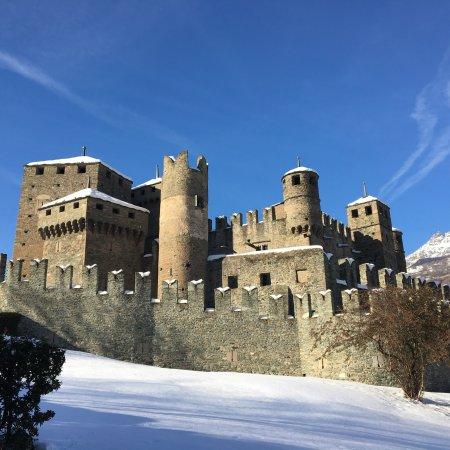 Castello di Fénis: photo2.jpg