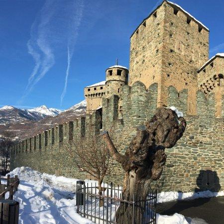 Castello di Fénis: photo4.jpg