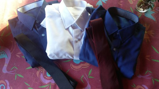 Star Fashion Bangkok: 3 Shirts 2 ties // for the light gray suit