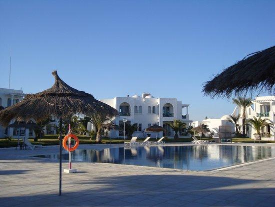 Vincci Helios Beach : piscine VIP