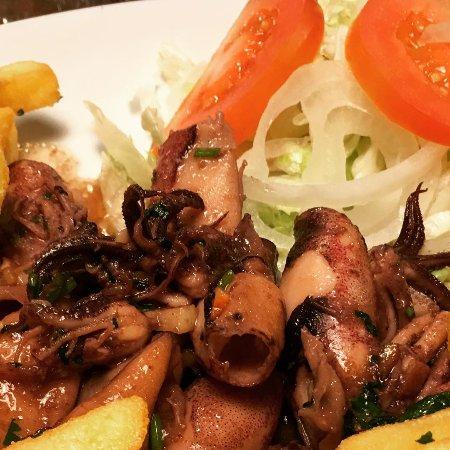 Cantinho do Aziz Leeds: Lulas ao Alhinho (Portuguese Deep fried Squid)