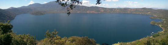 Coatepeque, El Salvador: View from Vista Lago restaurant