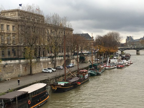 Paris, France: Cloudy day views on the Left bank