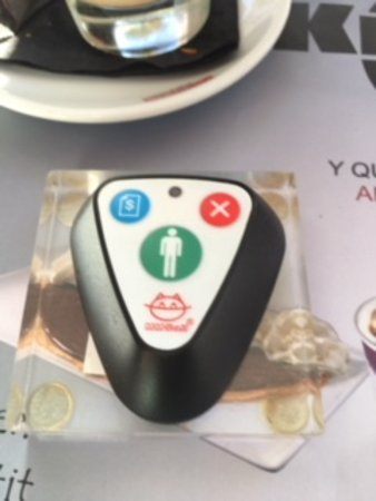 Kronox Cafe: Little clicker on tables