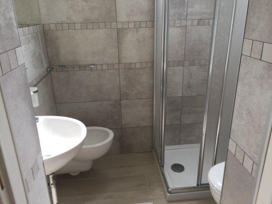 i nostri bagni ristrutturati - Picture of Hotel Monti, Riccione ...