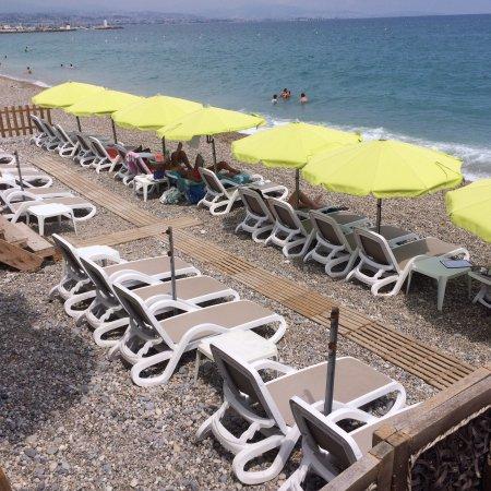 beach paradise picture of beach paradise villeneuve. Black Bedroom Furniture Sets. Home Design Ideas