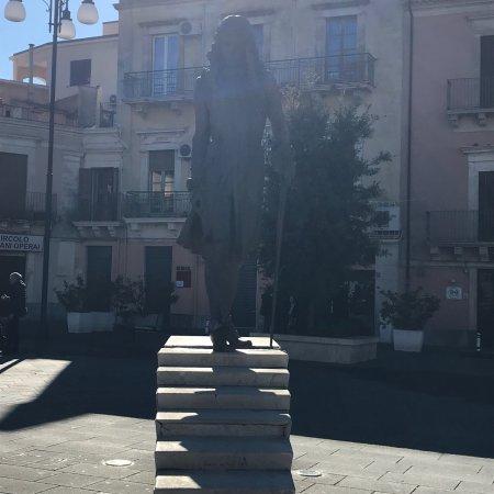 Grammichele, Italy: Statua di Carlo Maria Carafa