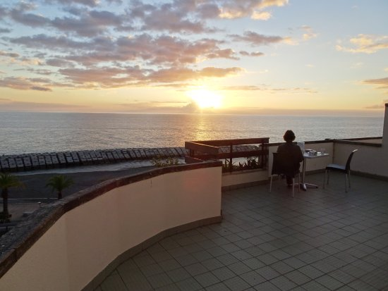 Cheerfulway Bravamar Hotel: La terrasse de la chambre 604 ... vue mer panoramique