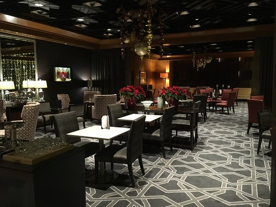 Le Centre Sheraton Montreal Hotel: SPG Preferred lounge