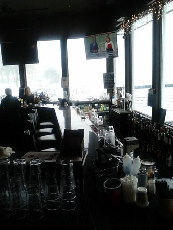 Port Edward Restaurant: New Bar in Neptune Bar area