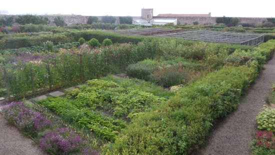 The Castle and Gardens of Mey: garden
