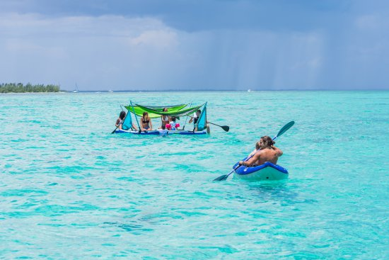 Camana Bay, Grand Cayman: Just enjoying a rainy day in the Caribbean
