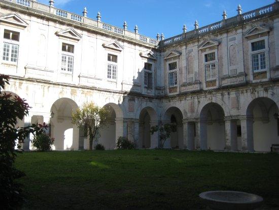 Lisbon, Portugal: chiostro