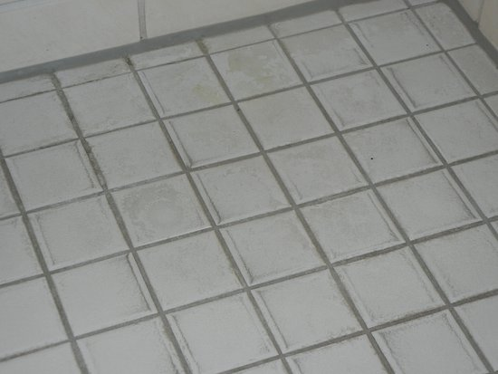 Hotel zum Loewen: Room 222 Stained Floor from Assumed Previous Leaking