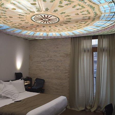 Hotel One Shot Mercat 09: Ottimo Hotel,camera Bellissima Con Letto Enorme  Comodissimo,