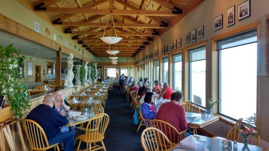 The Tides Wharf Restaurant: The Tides