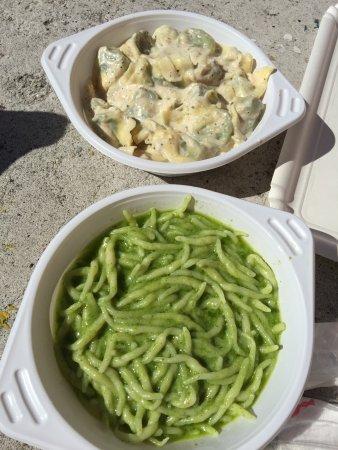 Pasta Fresca Fiorella : ジェノベーゼソースのトロフィー(下)がおすすめです!