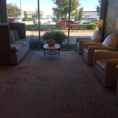 DoubleTree by Hilton Hotel Dallas - Love Field: photo2.jpg
