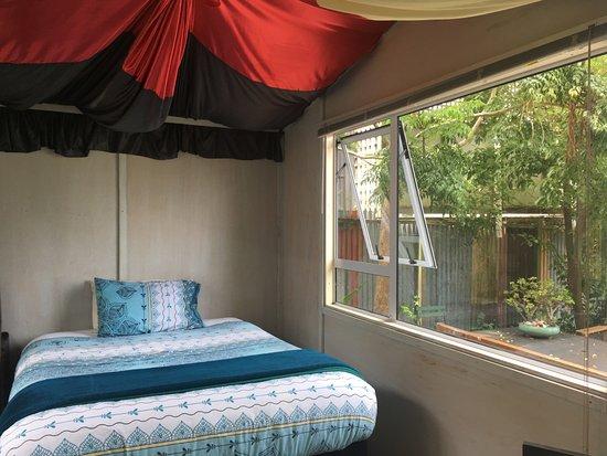 Brown Kiwi Backpacker Hostel Photo