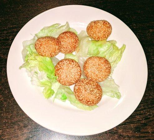 Cathay Kitchen Chinese Restaurant: Sesame Red Bean Balls