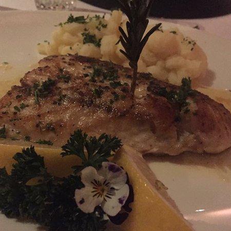 Wombles Steakhouse Restaurant: photo3.jpg