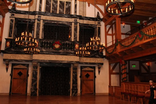 American Shakespeare Center : stage with holiday decorations