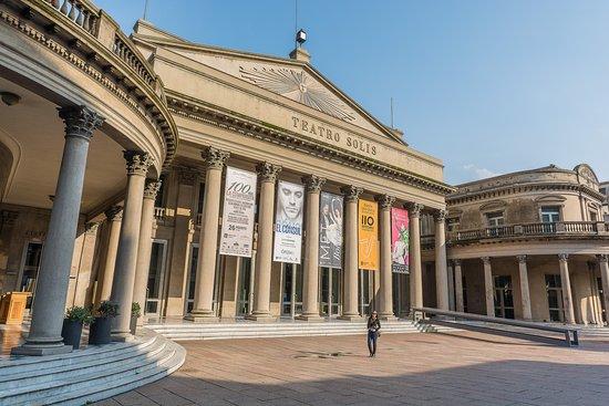 Montevideo, Uruguay: Teatro Solís
