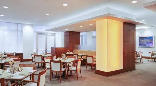 InterContinental Suites Hotel Cleveland: Restaurant