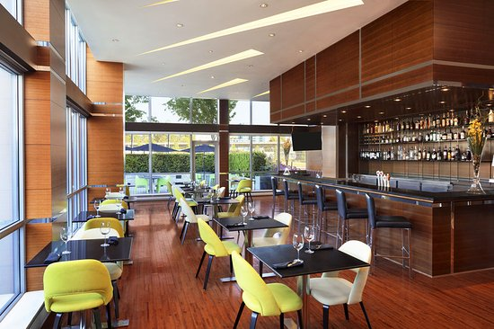 Westin Wall Centre Vancouver Airport: Restaurant
