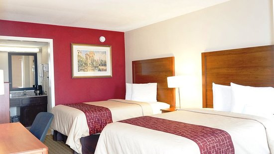 Red Roof Inn - Waco: Guest room