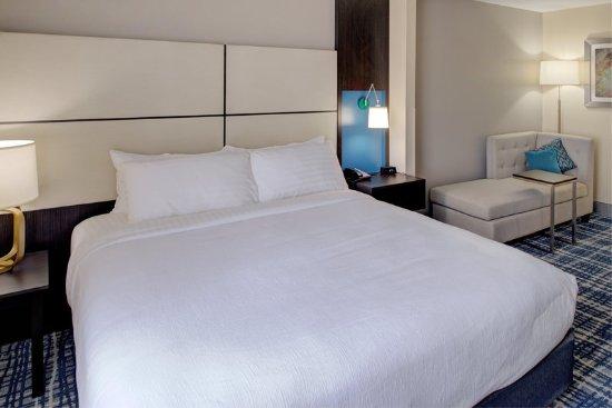 Belcamp, MD: Guest room