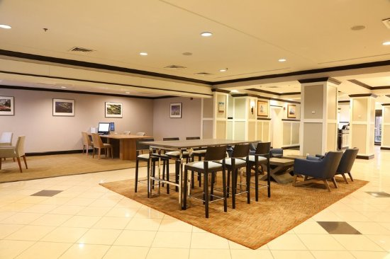 lobby picture of doubletree by hilton hotel annapolis. Black Bedroom Furniture Sets. Home Design Ideas