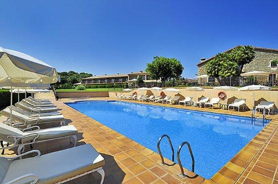 Salles Hotel Mas Tapiolas: Pool