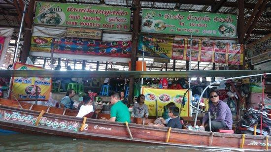 how to go to damnoen saduak floating market