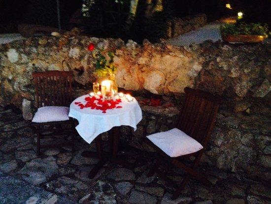 Cas Concos, Spania: romantischer Heiratsantrag am Pool