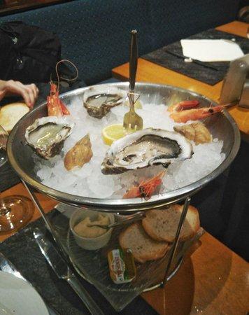 Brasserie Au Dauphin: Сезонные продукты)))