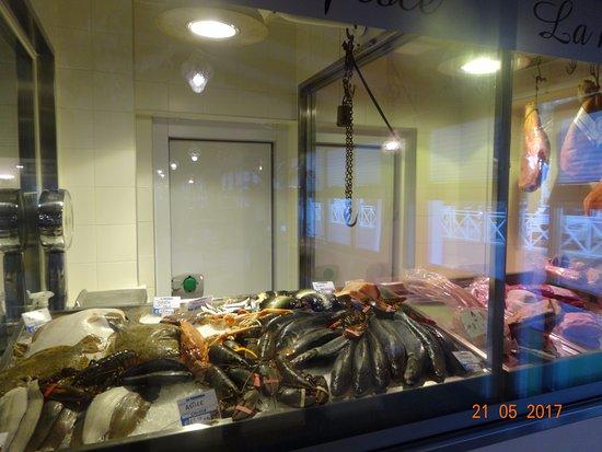 Ristorante Michelangelo: Все свежайшее с соседнего рыбного рынка