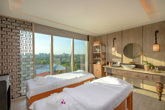 Pan Pacific Yangon: St. Gregory Spa Treatment Room