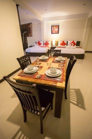 The Elegant Patong Hotel: Family Room (2 double Beds)