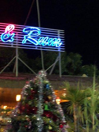 Georges Rhumerie French Restaurant: Bar